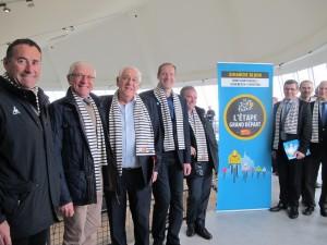 De gauche à droite : Thierry Gouvenou, Henri Milet, Jean-François Le Grand, Christian Prudhomme, Bernard Hinault, Jean-Pierre Lhonneur, Thomas Delpeuch, Marc Lefèvre