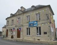 La Mairie de Sainte-Marie-du-Mont aux couleurs du Tour